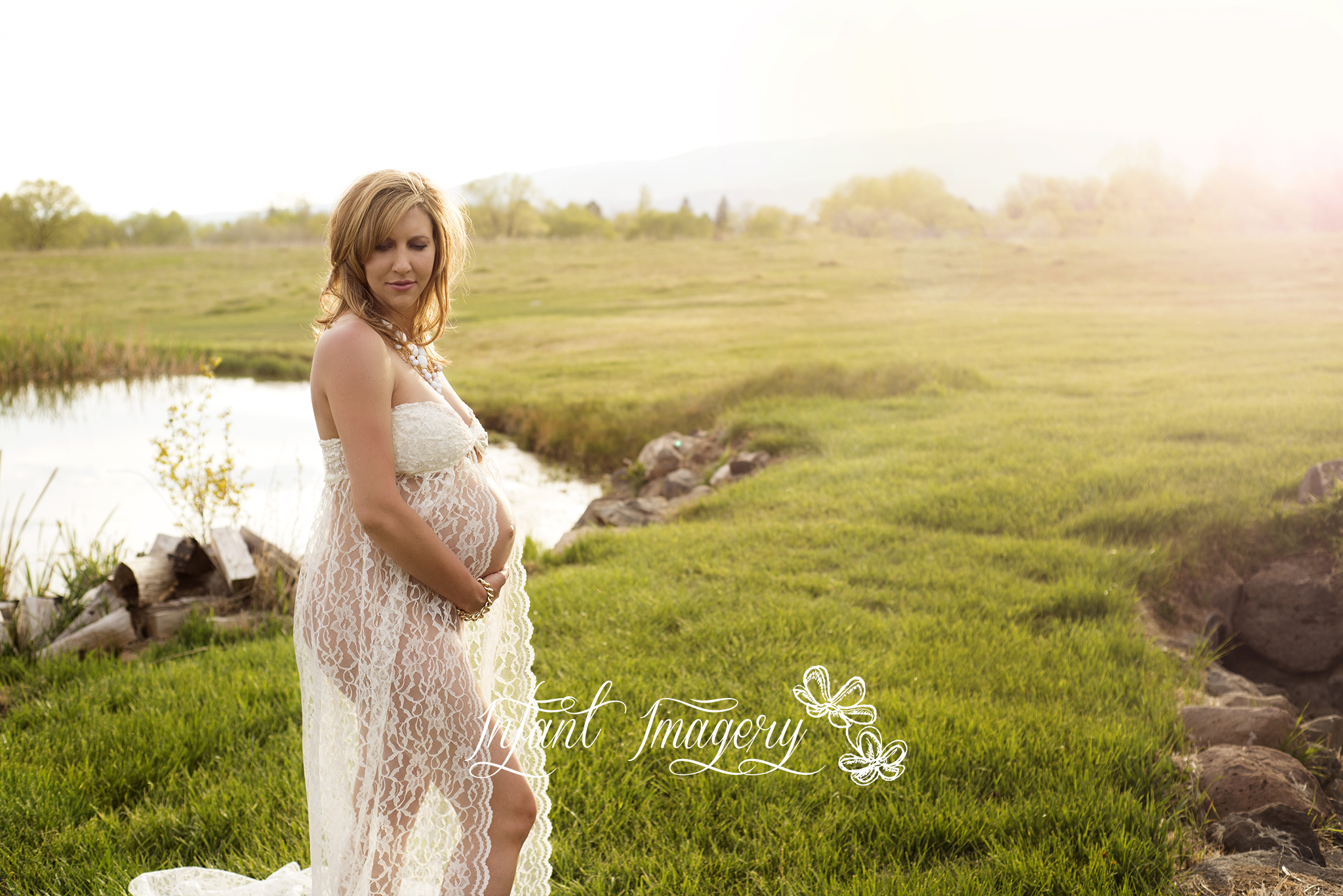 Make your own lace maternity gown a photographers dream outdoor maternity session ombrellifo Image collections