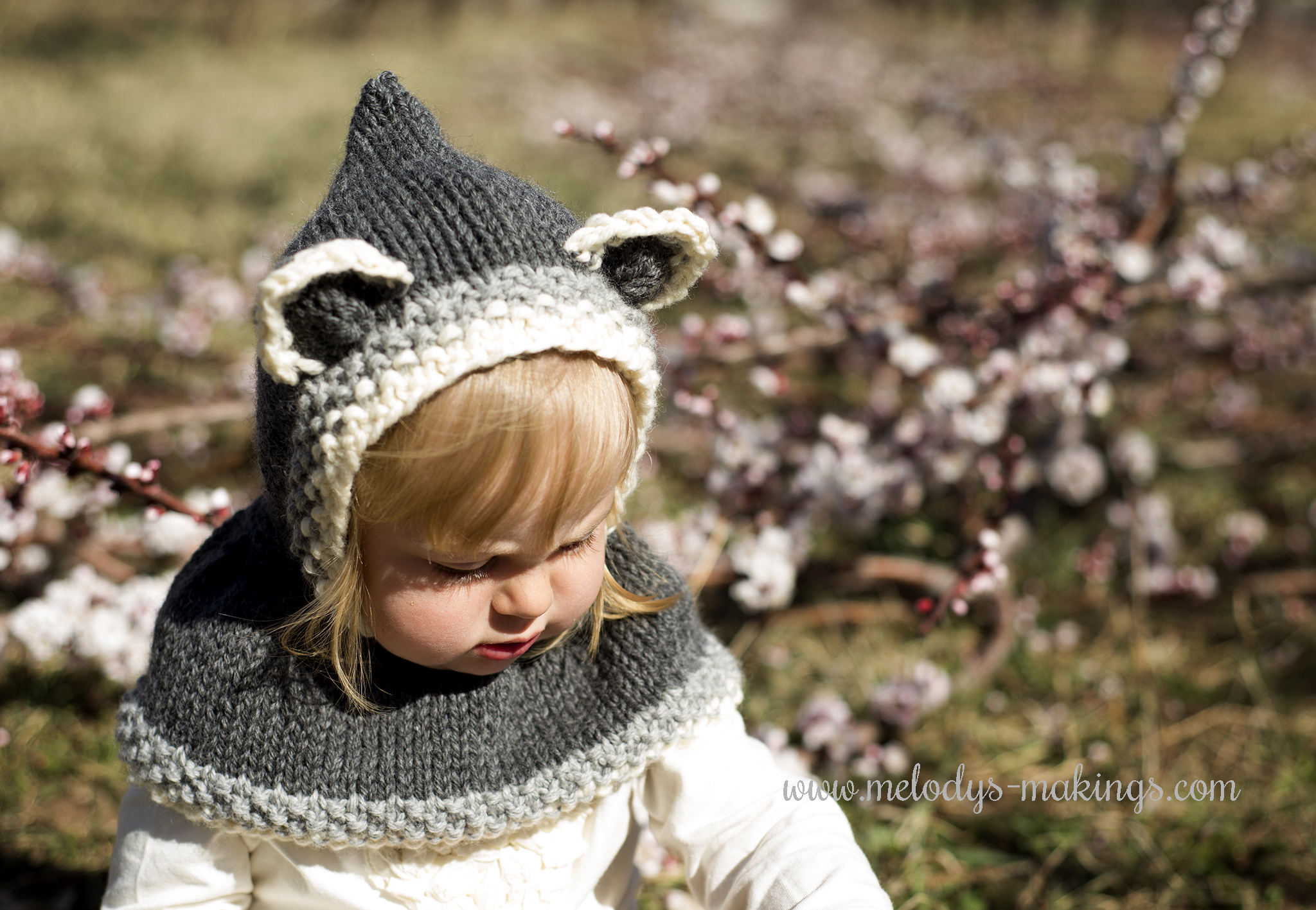 Hooded Cowl Knitting Pattern Ravelry : Sneaky Mommies Make These For Their Kids! Melodys Makings