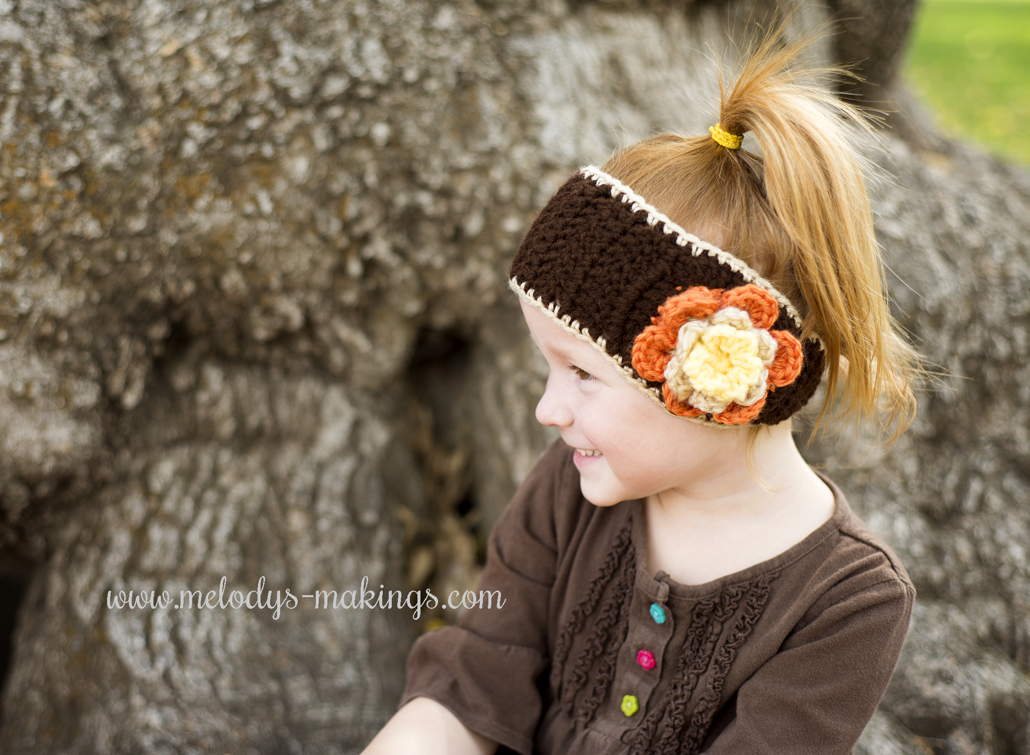 Falling Flowers Ear Warmer – Free Pattern! | Melody\'s Makings