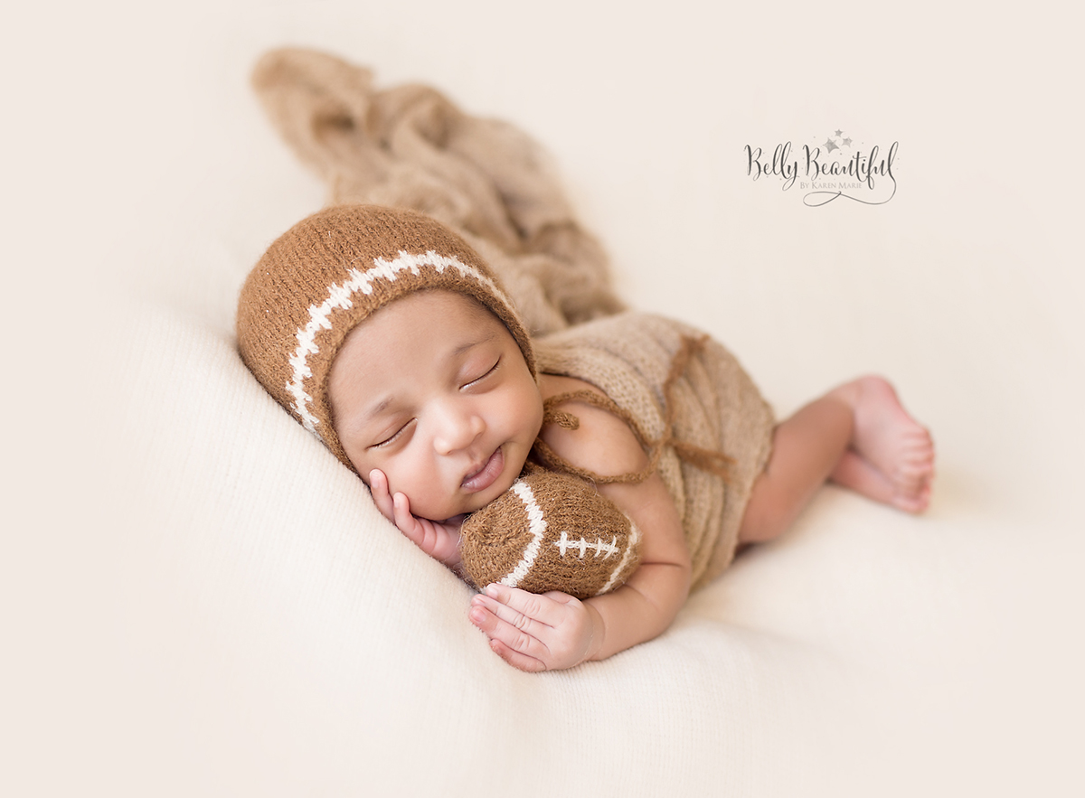 This adorable knit baby football pattern is FREE and perfect for football lover baby gifts!  Sizes Newborn through 1-3 Years available.