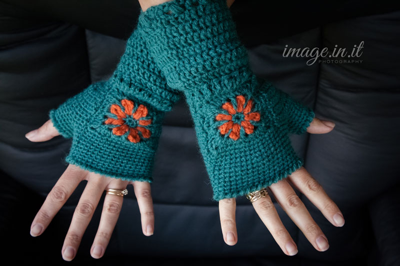 Free Crochet Pattern Gloves Fingerless : Fingerless Flower Mitts {Free Crochet Pattern} Melodys ...