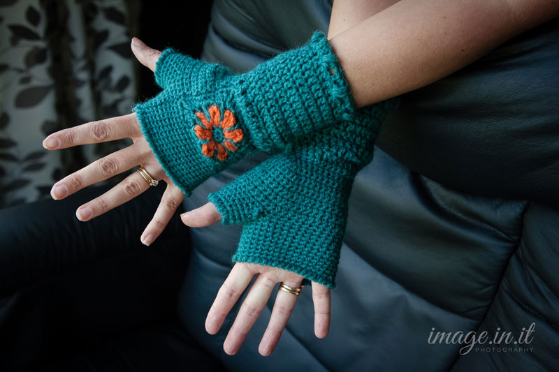 Crochet Fingerless Gloves Tutorial Butterfly Stitch : Fingerless Flower Mitts {Free Crochet Pattern} Melodys ...