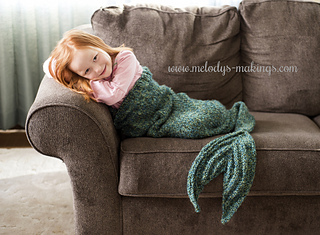 Kid's Knit Mermaid Tail Blanket