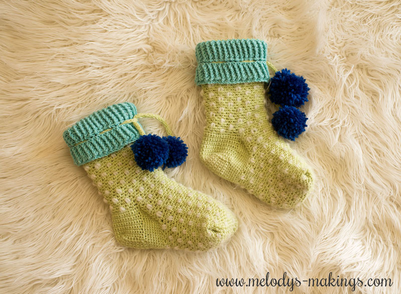 This free crochet slippers pattern features cozy thrumming (fuzzy inside) and six sizes, making it the perfect slipper pattern to keep feet warm and happy!