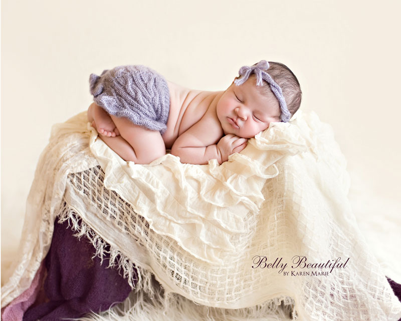 This cute knit baby skirt pattern features cables and a frilly ruffle.  It's the perfect baby shower gift or newborn photo prop.  Free pattern!